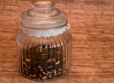 How to prepare a blend of tea?
